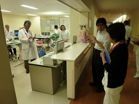 総合病院ラウンド風景.jpg